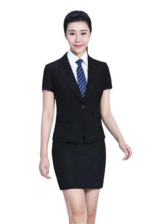 搭配专家浅析:衬衫和领带的搭配手法